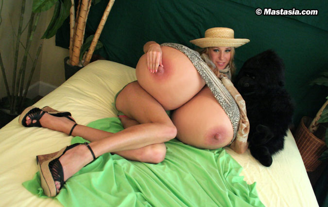 секс с гигантскими сиськами фото